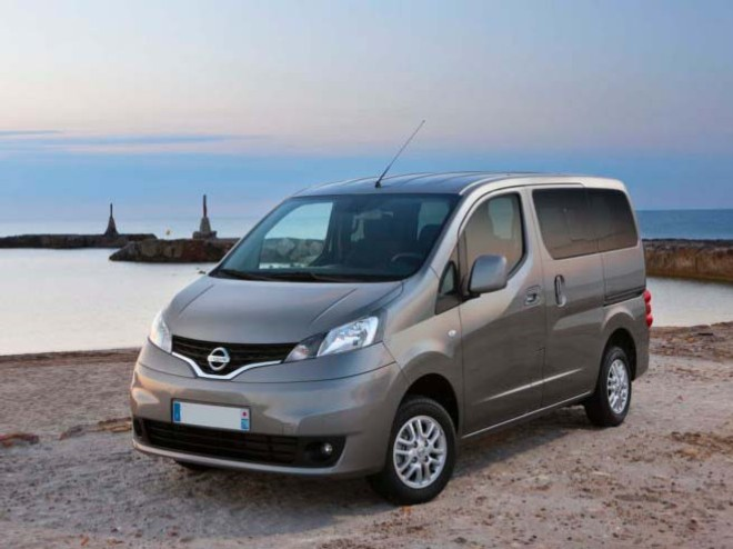 rent a nissan evalia in nice with easy car booking car. Black Bedroom Furniture Sets. Home Design Ideas