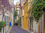 Visit Antibes by car!