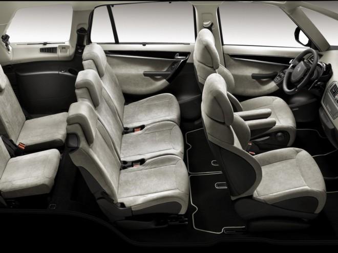 louez une citro n c4 picasso antibes avec easy car booking description de la voiture voitures. Black Bedroom Furniture Sets. Home Design Ideas