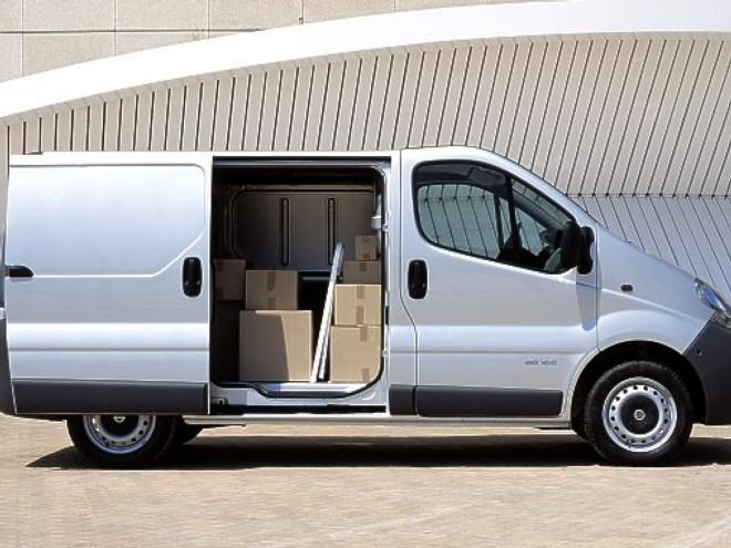 louez une renault nissan primastar nice avec easy car booking description de la voiture. Black Bedroom Furniture Sets. Home Design Ideas