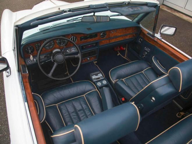 location voiture de collection monaco description de la voiture voitures louer sur la c te d 39 azur. Black Bedroom Furniture Sets. Home Design Ideas